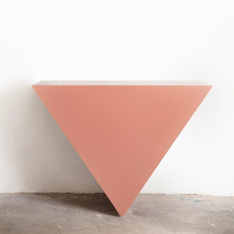 SINGLE TRIANGLE CONSOLE