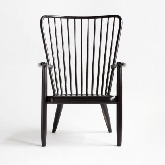 WINDSOR LOUNGE CHAIR